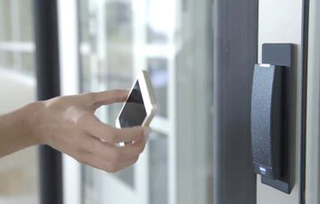 互联网时代 手机门禁成社区O2O重点